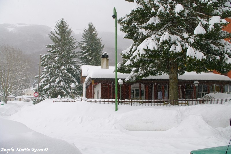 lago-laceno-nevicata-11-febbraio-2012i00026