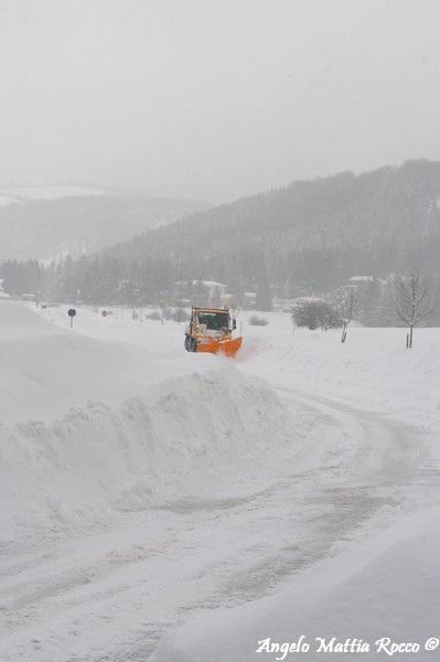 lago-laceno-nevicata-11-febbraio-2012i00027